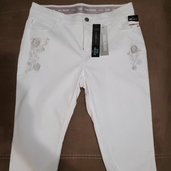df14f205 Lee Jeans   Total Freedom Platinum Label   Poshmark